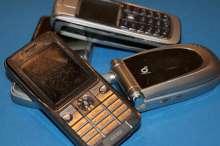 Seni,nenaudojami mobilieji telefonai-220