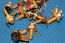 Tranzistoriai su paausuotais pavirsiais-220